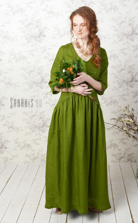 Льняное платье с V-образной горловиной