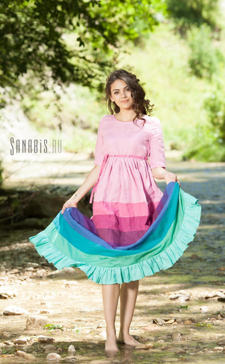 Льняное платье карамельного цвета