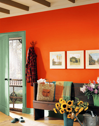 красно-оранжевая стена