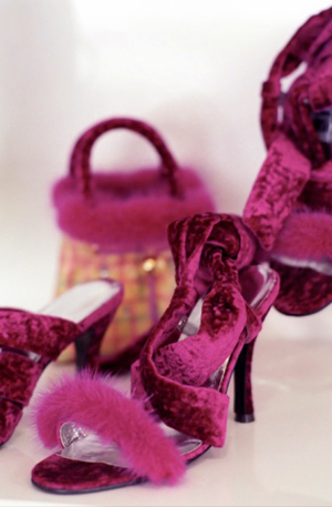 красно-фиолетовые туфли