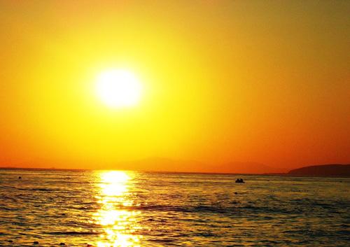 Желто-оранжевый закат