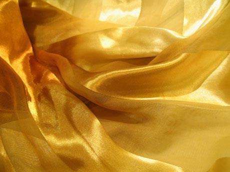 желтый шелк