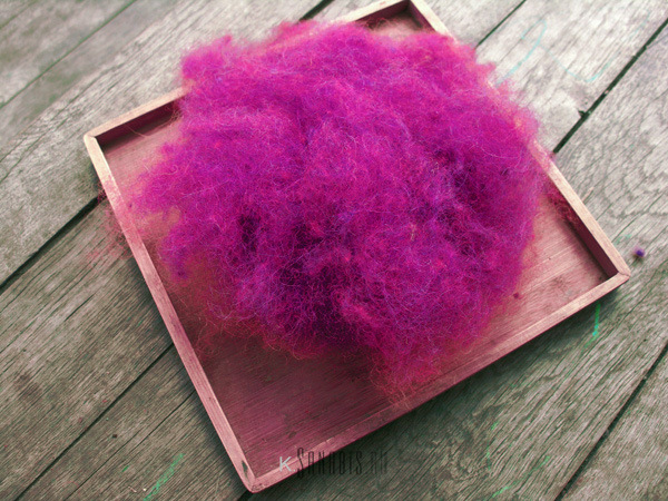 красно-фиолетовая шерсть